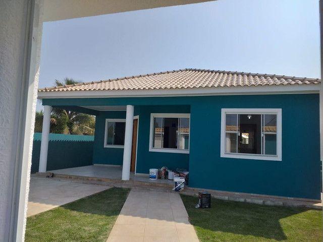 Casa de 3 quartos sendo 1 suíte com piscina no Jardim Atlântico em Maricá - RJ - Foto 2