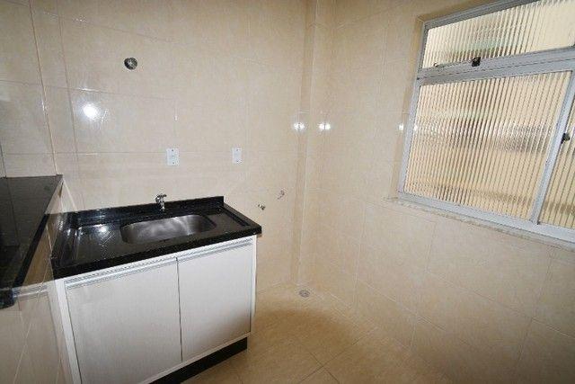 Apartamento amplo e bem localizado no Balneário. - Foto 5