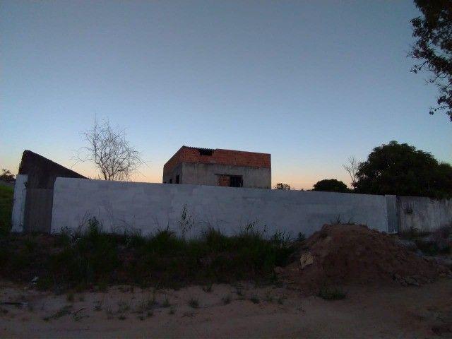 Terreno com Casa semi-pronta