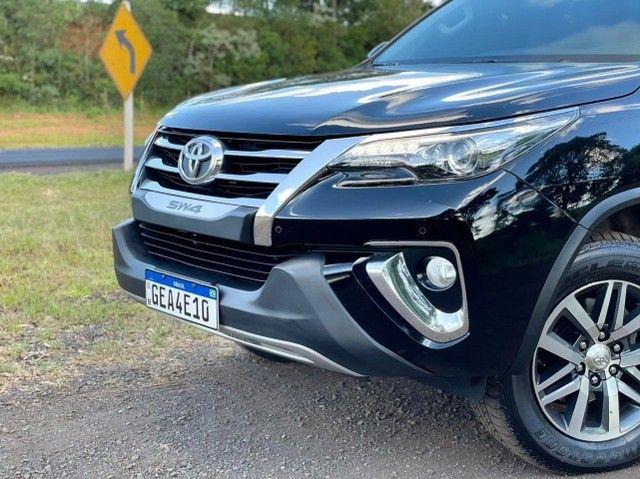 Toyota Hilux SW4 SRX 2.8 4x4 - 2017 - Foto 9