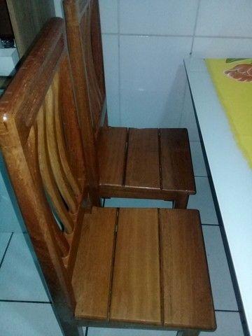 Cadeira de madeira maciça angelim