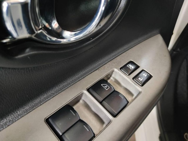 Nissan March SL 1.6 - Foto 8