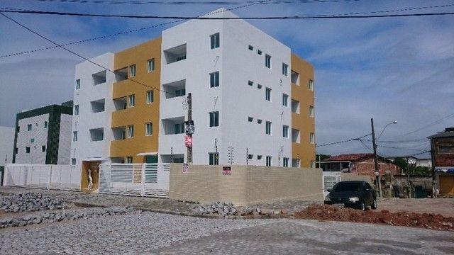 Apartamento de 02 Quartos no Bessa