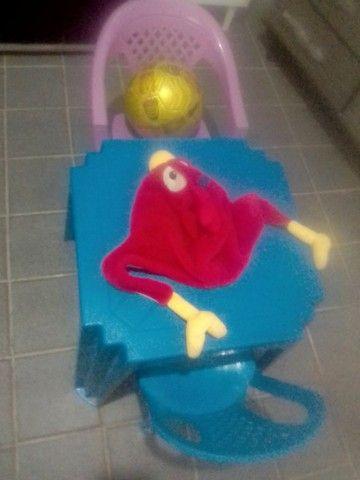 Vendo está mesa de criança  - Foto 2