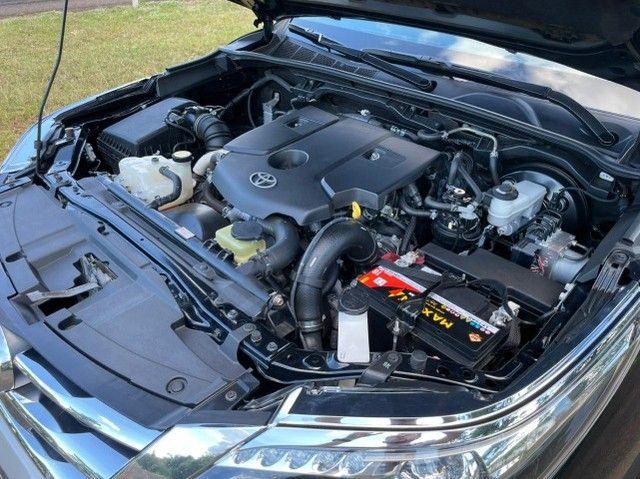 Toyota Hilux SW4 SRX 2.8 4x4 - 2017 - Foto 19