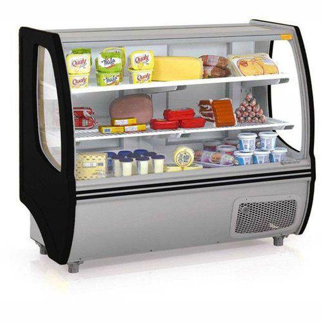 Assistência de geladeira , expositora de bebidas, freezer , ilha de congelados , balcões