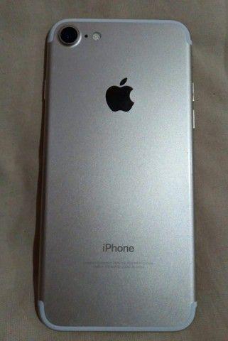 Iphone 7 32 gb com a tela trincada