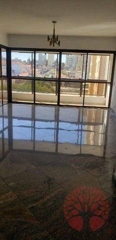 Apartamento para alugar em Centro de 200.00m² com 4 Quartos, 1 Suite e 2 Garagens - Foto 7