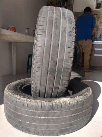 Vendo 2 pneus Pirelli meia vida 225/55-17 - Foto 4