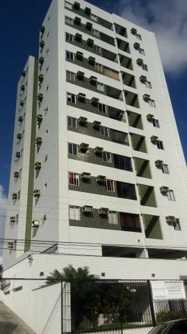 Excelente Apartamento com 03 quartos na Encruzilhada para locação