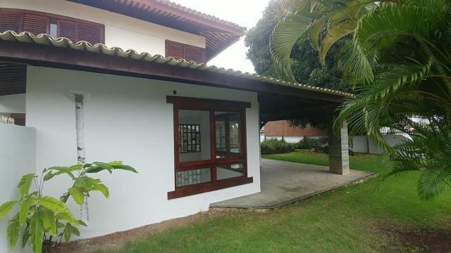 Casa com quatro suítes, condomínio fechado no Horto Florestal