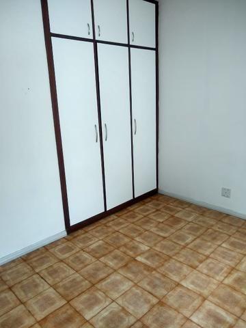Apartamento Itapuã 3 quartos com dependência R$1.200,00 - Foto 7