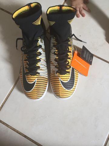 Chuteira Nike 42 futsal