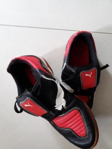 Tênis de Futsal PUMA - Tam 40 - R$ 60,00 - Foto 2