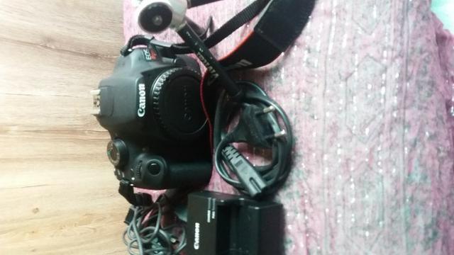 Câmera Fotográfica Cannon EOS Rebel T5 com 2 lentes e acessórios