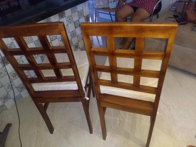 4 cadeiras de madeira - Foto 4