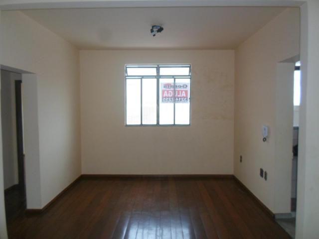 Apartamento para alugar com 3 dormitórios em Centro, Divinopolis cod:565