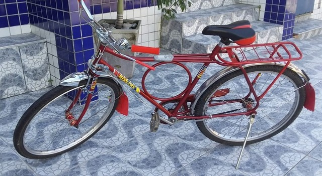 Bicicleta Barra Circular Monark Vermelha aro 26