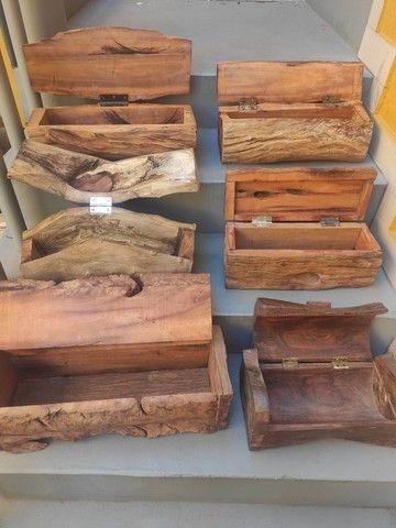 Baús artesanais - madeiras maciças variadas - Foto 2