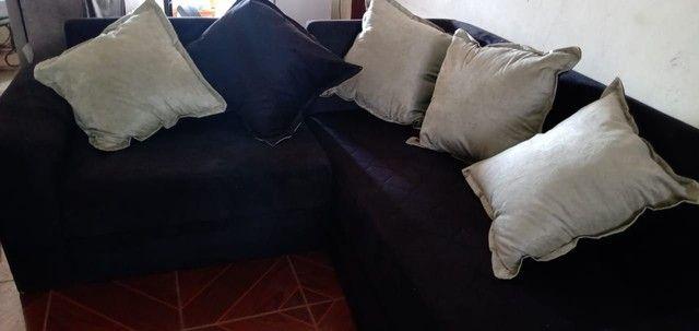 Sofá de canto com almofadas. - Foto 4