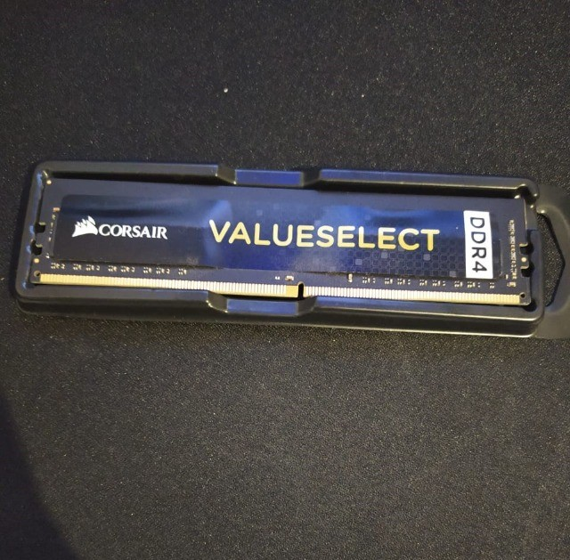 Memória DDR4 Corsair 4gb 1x4gb Cmv4gx4m1a2133c15