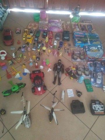 Lote de brinquedo r$ 400 tudo zap *