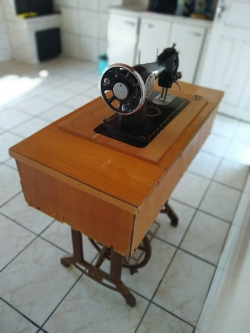 Maquina de costura antiga  - Foto 4