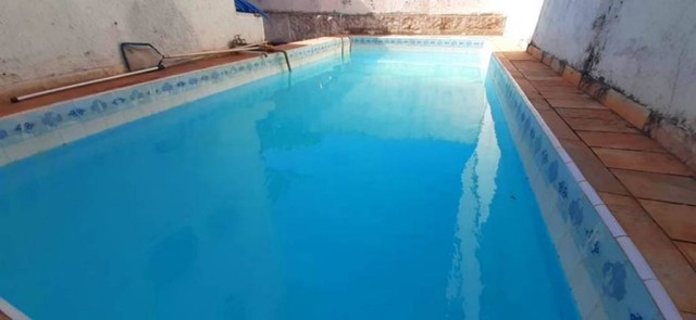 Casa 6 Qts 3 Suítes a 50 m. do mar, c/ piscina em Boqueirão
