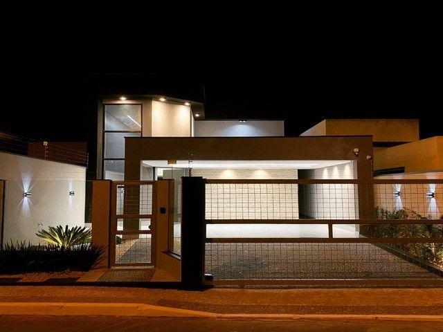 Casa de Alto Padrão, Dentro de Condomínio com 3 Suítes, Lazer em Vicente Pires.