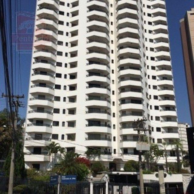 Apartamento para alugar em Centro de 239.00m² com 4 Quartos, 1 Suite e 3 Garagens