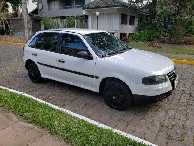 Volkswagen Gol 1.0 4P - Foto 5