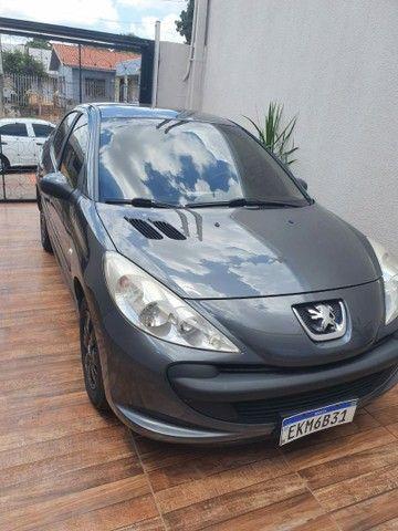 Vendo ou troco Pegeout 207 1.4 sedan - Foto 2