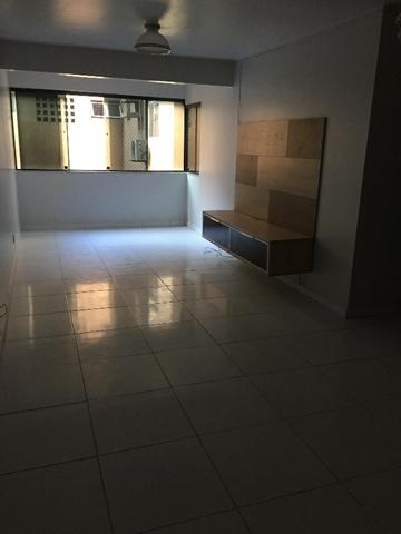 Apartamento na Ponta Verde a 2 quadras da praia