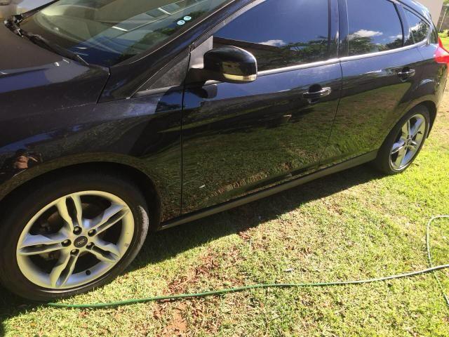 Focus Hatch 2.0 SE Plus Automático 2015