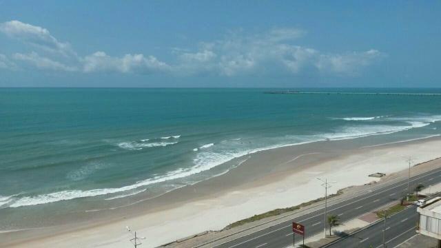 Apartamento 02 quartos c/ suite na Beira mar do Trapiche