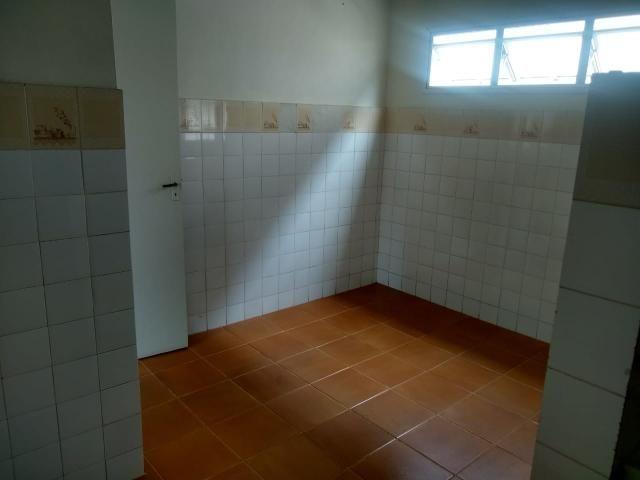 Apartamento Itapuã 3 quartos com dependência R$1.200,00 - Foto 8