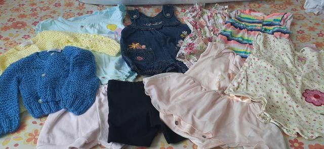 (Feminino)10 peça de roupa + um sapatinho é 2 sandálias tudo isso por apenas 150,00 - Foto 4