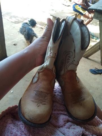 Vendo bota de couro - Foto 3
