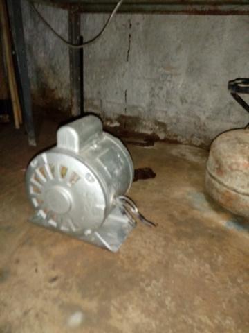 Motor de baixa Rotacão 0,5 cv monofásico