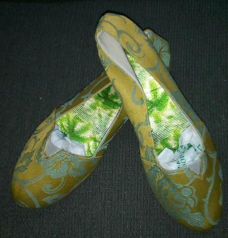Linda Sapatilha de Tecido Estampado - Foto 2