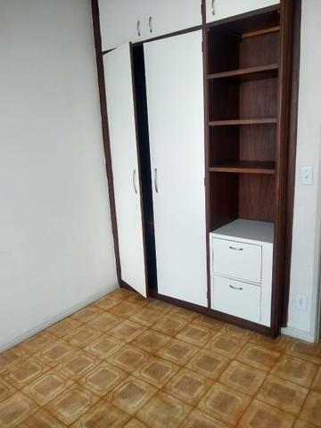 Apartamento Itapuã 3 quartos com dependência R$1.200,00 - Foto 9