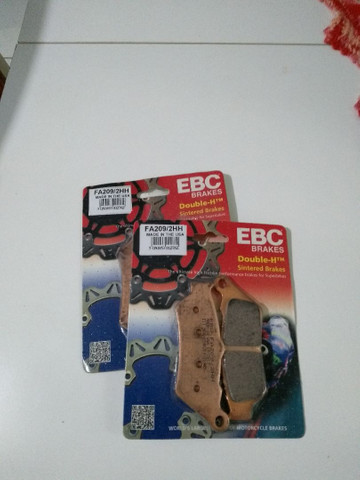 Pastilha de freio dianteira f800gs marca EBC.