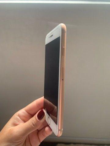 Iphone 8 gold de 64GB - Foto 2