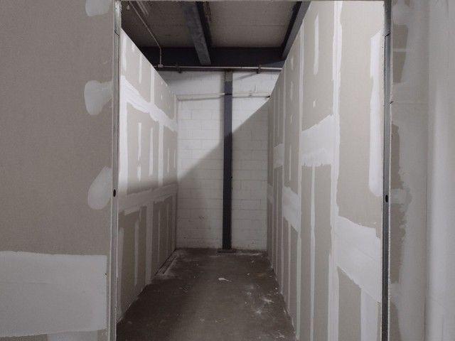 Rebaixamento e divisórias de drywall e PVC - Foto 6