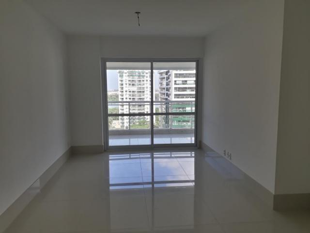 Apartamento para Venda em Rio de Janeiro, Barra da Tijuca, 4 dormitórios, 1 suíte, 2 banhe