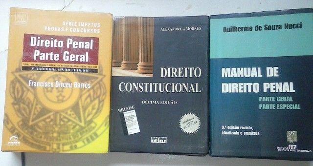 Livros diversos de Direito a partir de...