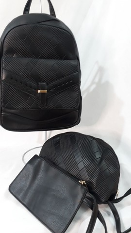 Conjunto mochila + Necesserie + bolsinha de mão  - Foto 3