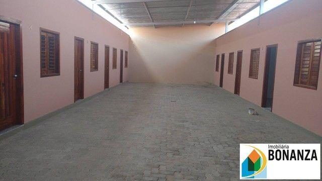 Casa com 01 quarto e vaga de garagem bairro Henrique Jorge