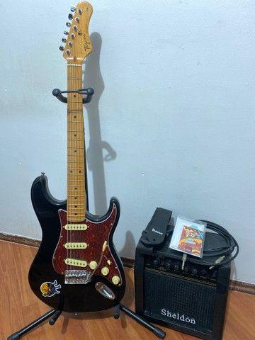 Kit Guitarra Stratotocaster Tagima Woodstock TG530 + Amplificador Sheldon