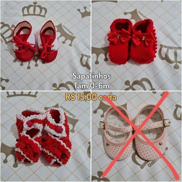 Sapatinhos de bebê vermelhos - menina